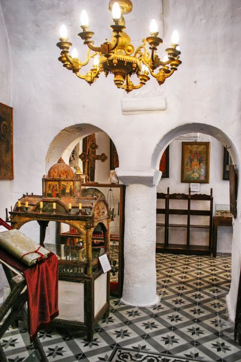 Agia Triada Church: Inside the church