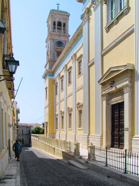 Agios Nikolaos Church: This impressive church was built in the 19th century
