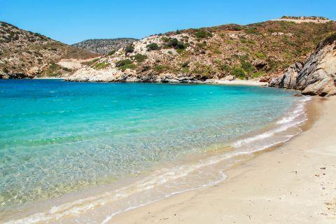 Fourni Island: Sandy beach with crystal clear waters.