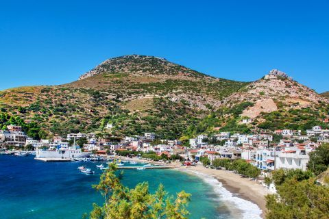 Fourni Island: Most of the settlements on Fourni island are concentrated around the port.