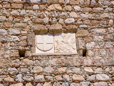 Chryssocheria Castle: Marbe detail at Chryssocheria castle