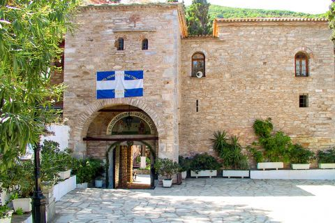 Monastery of Evangelistria: The Monastery has great historical importance for the island, as it contributed to the Greek War of Independence.