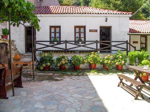 Monastery of Evangelistria: Well-preserved surroundings.