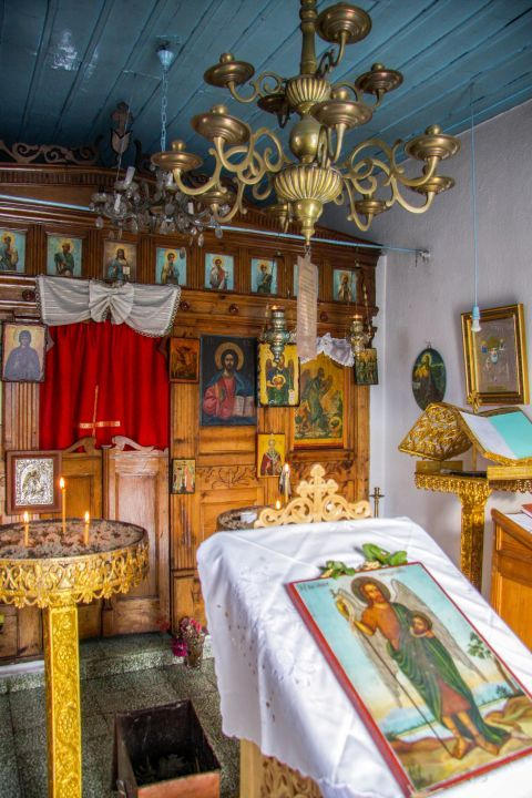 Church of Agios Ioannis Kastri: Icons and relics inside the church.