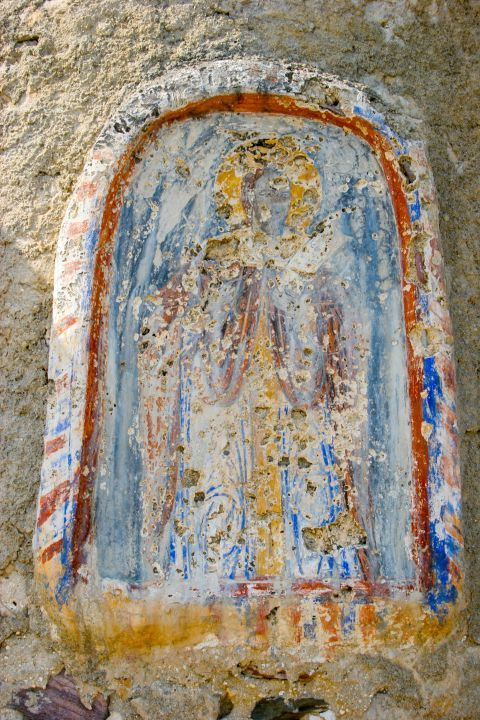 Church of Agia Varvara: Old frescoes are found inside this chapel.