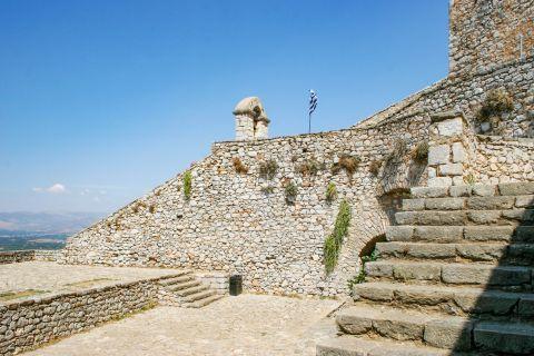 Palamidi Fortress: Stone built walls.