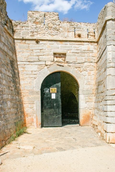 Palamidi Fortress: A gate, leading inside the fortress.