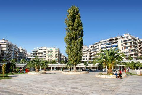 Piraeus Nautical Museum: The Nautical Museum is located in Marina Zeas
