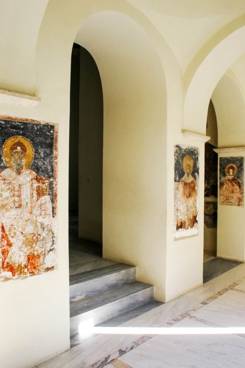 Holy Apostles church: Icons painted on the walls of the church