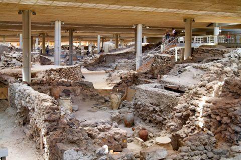 Akrotiri Minoan Site: The ruins of Akrotiri