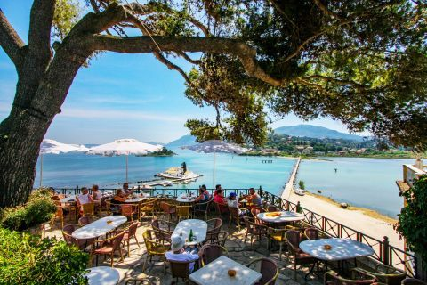 Kanoni and Mouse Island: A cafe with beautiful sea view