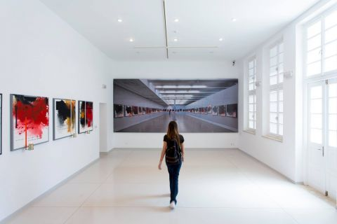 Kostas Tsoklis Museum: White color plays a dominant role in museum's design.