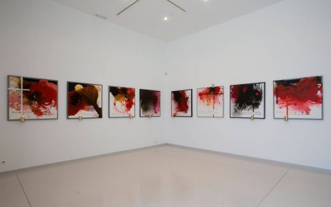 Kostas Tsoklis Museum: Impressive paintings, pieces of modern art.