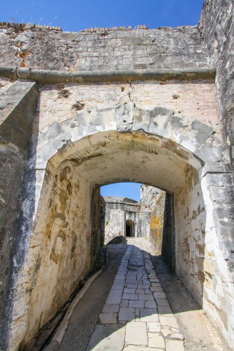 Old Fortress: An archway