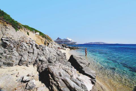 Agios Stefanos: Rocky parts