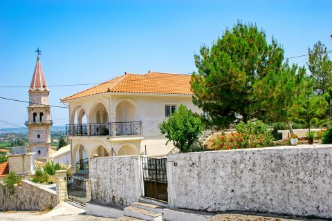 Maherado: A big, well preserved house with a beautiful yard. Next to it there is the Church of Agia Mavra.