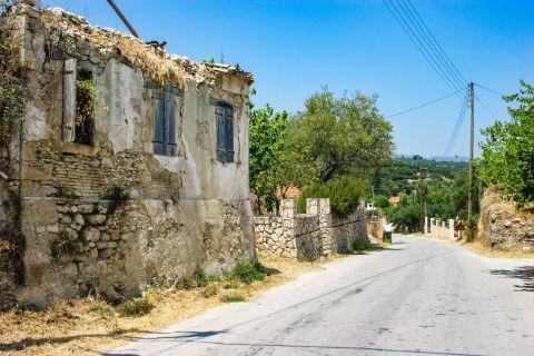 Maherado: An old ruined house.
