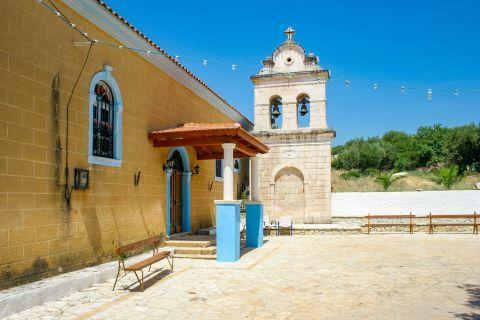 Kambi: Well preserved church.