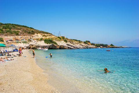 Makris Gialos: Amazing, clean waters.