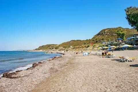 Kamiros: Sandy, tranquil beach.