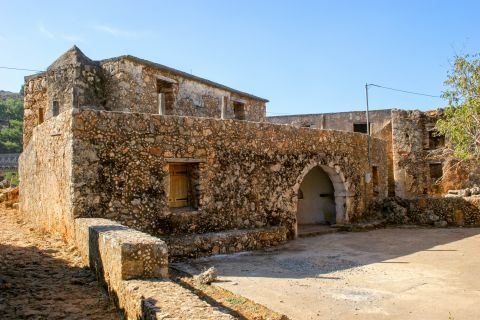 Anopolis: An old building