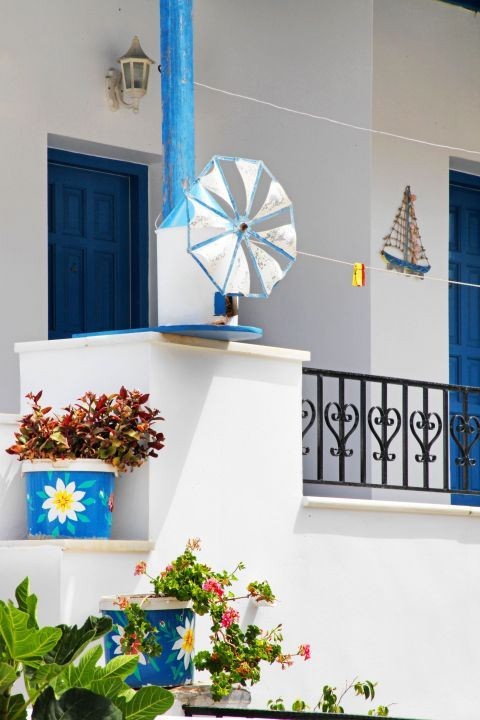 Arkesini: Vintage decoration of a Cycladic house
