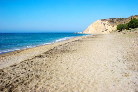 Roukounas: Roukounas Beach
