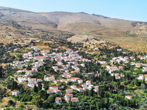 Mesathouri: Panoramic view of Mesathouri village