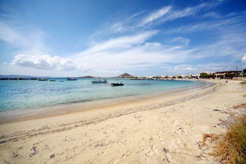 Agia Anna: A sandy beach