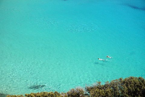 Kendros: Transparent turquois waters