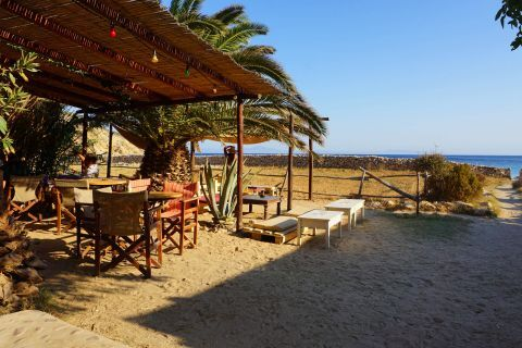 Kendros: The beach bar of Kedros