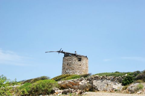 Panagia: Ruins of an windmill