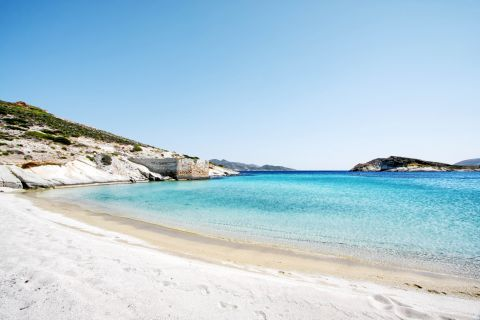 Agios Georgios: White sand and azure waters