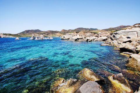 Ellinika: Abrupt rocks and deep blue waters