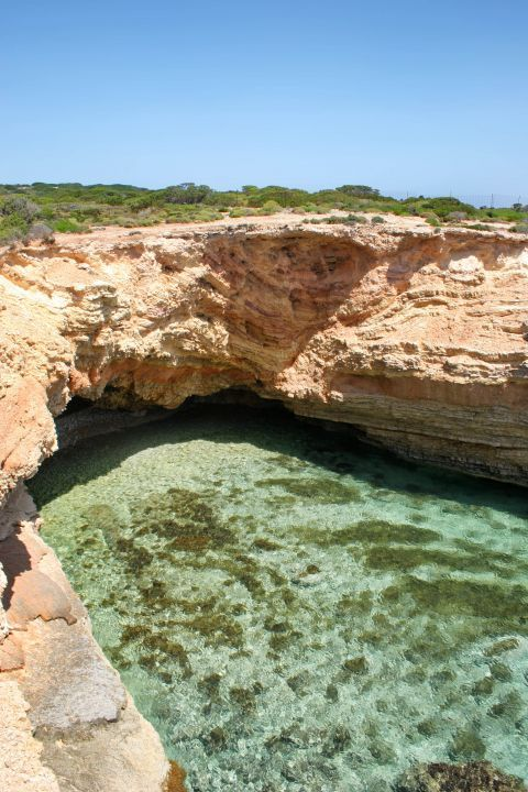 Caves before Pori: Turquoise waters
