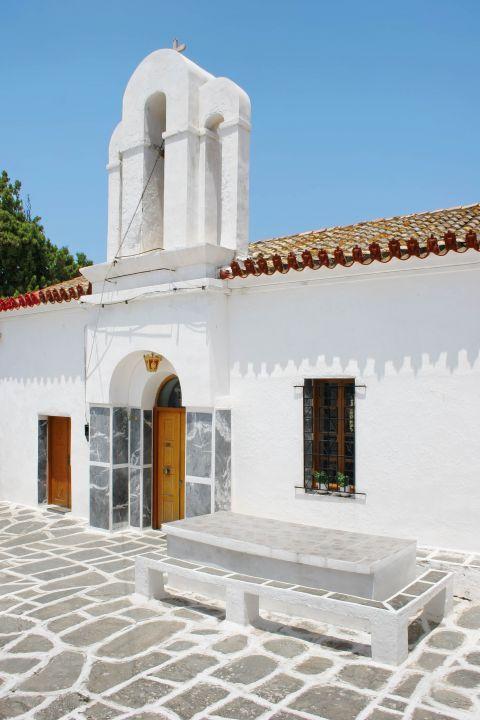 Driopida: A well-preserved church in Driopida.