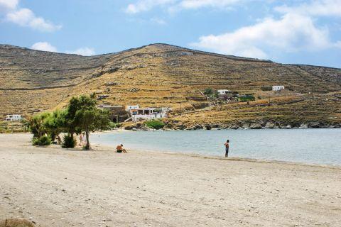 Apokrousi: Vast plains surround the beach of Apokrousi