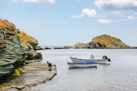 Kalo Livadi: Fishing boats