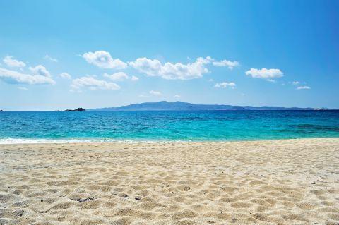 Orkos: Calming sea view