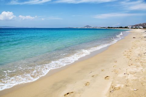 Plaka: Sand and azure waters