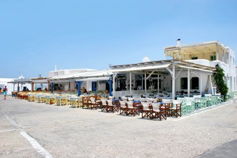 Naoussa: Local cafes