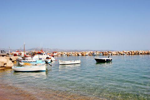 Ambelas: Fishing boats