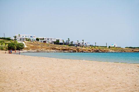 Golden Beach: Cycladic houses near the Golden Beach