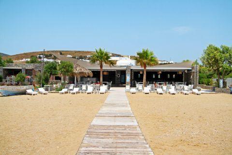 Golden Beach: A beach bar