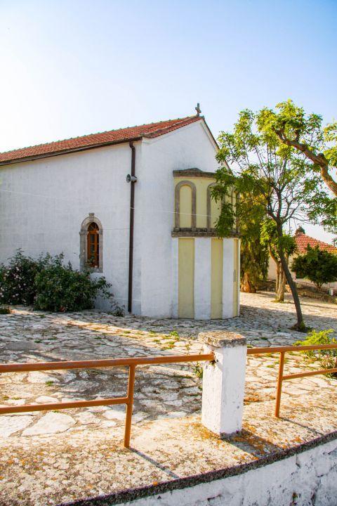 Anogi: A local chapel.