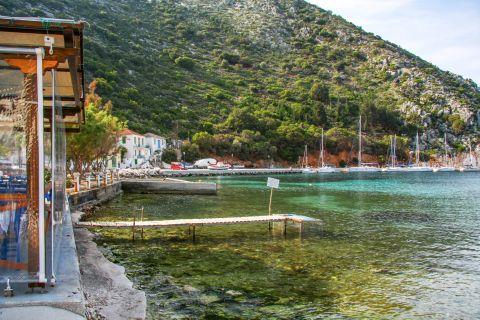 Frikes Village: Emerald green waters.