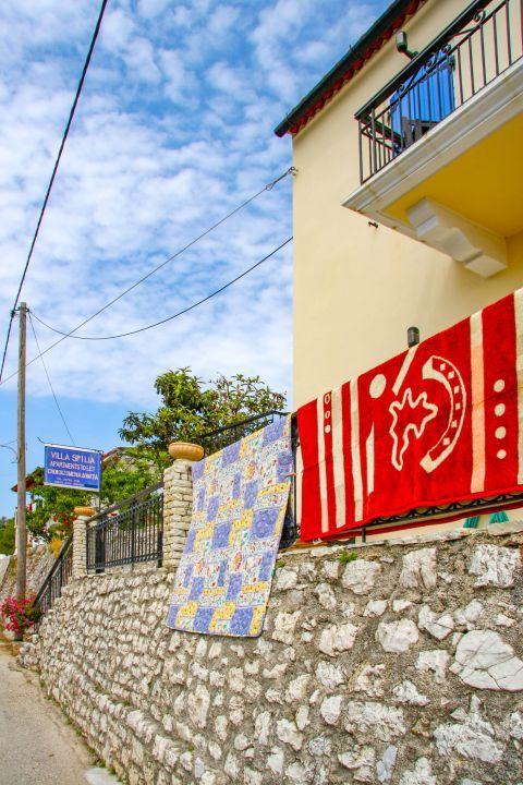 Stavros: Accommodation in Stavros village.
