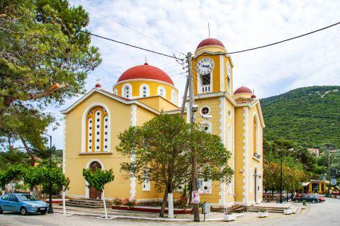 Stavros: A beautiful church.