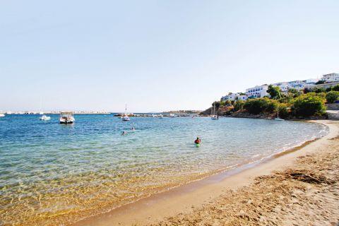 Piso Livadi: Piso Livadi beach