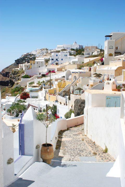 Firostefani: Cycladic houses